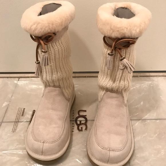 6b1ca0d4f63 Women's Ugg boots, Size 6